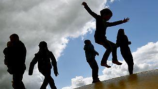 Jedes siebte Kind lebt von Hartz IV: Kinderarmut in Deutschland nimmt zu