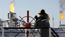 Der Börsen-Tag: Iran-Sanktionen treiben Ölpreis: 90 Dollar sind drin