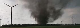 Sturm in Schleswig-Holstein: Autoinsassen filmen Tornado