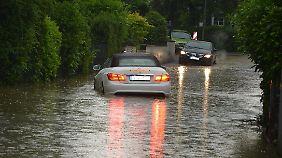 Auch aus NRW wurde Starkregen mit örtlichen Überschwemmungen gemeldet.