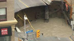 Kaum zu glauben, aber wahr: Riesiges Erdloch tut sich mitten in Ottawa auf