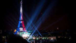 Gute Laune trotz Terrorgefahr und Streiks: 80.000 Menschen feiern Eröffnung der Pariser EM-Fanmeile