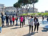 Schandtaten im Urlaub: Diese hohen Bußgelder drohen Touristen