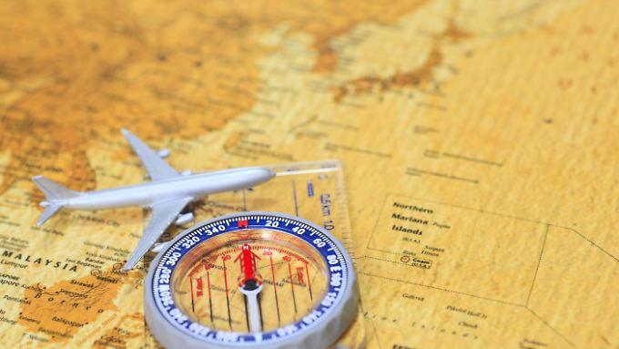 Bei der Flugbuchung für eine Weltreise sollten sich Passagiere vorab viele Gedanken machen, damit sie nicht in die Kostenfalle tappen.