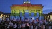 Gay-Pride-Paraden in Europa: Hunderttausende Schwule und Lesben feiern