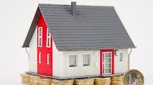 Ex-Partner, die ein gemeinsames Haus besitzen, sind auch nach der Trennung noch beide verpflichtet, sich finanziell an der Instandhaltung zu beteiligen.