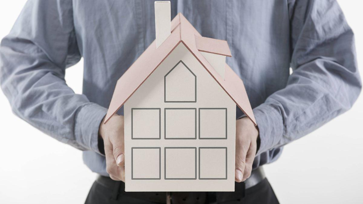 eigentum absichern die richtige versicherung f rs haus finden n. Black Bedroom Furniture Sets. Home Design Ideas