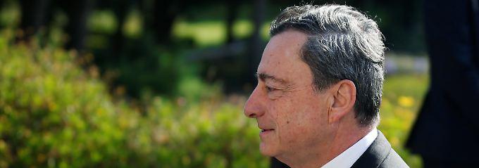 Banken im Blick behalten: Draghi: Brexit kostet Wachstum
