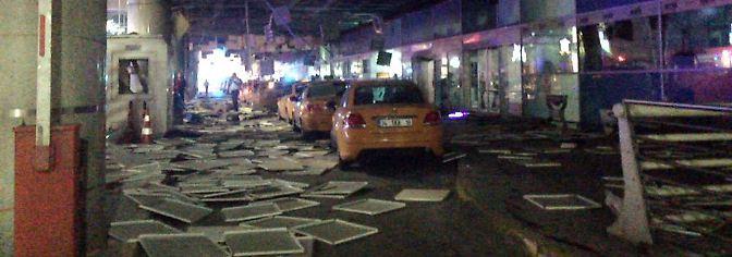Selbstmordanschlag in der Türkei: Explosionen und Schüsse am Flughafen Atatürk