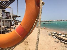 Nicht viel Arbeit für Rettungsschwimmer derzeit in Hurghada.