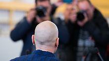 Frank S. des versuchten Mords schuldig: Urteil: 14 Jahre Haft für Reker-Attentäter