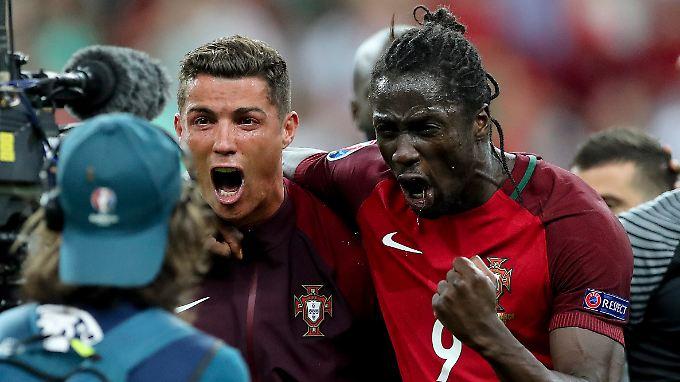 So sehen glückliche Männer aus: Cristiano Ronaldo und Eder.