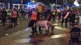 """Augenzeugenberichte aus Nizza: """"Das klingt nicht wie ein Feuerwerk, das klingt wie eine Attacke"""""""