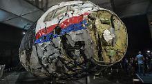 Mysteriöser Flugzeugabschuss: Was man über MH17 weiß - und was nicht