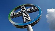 Branchenkenner werten die jüngste Erhöhung Bayer's als Signal für noch höhere Gebote.