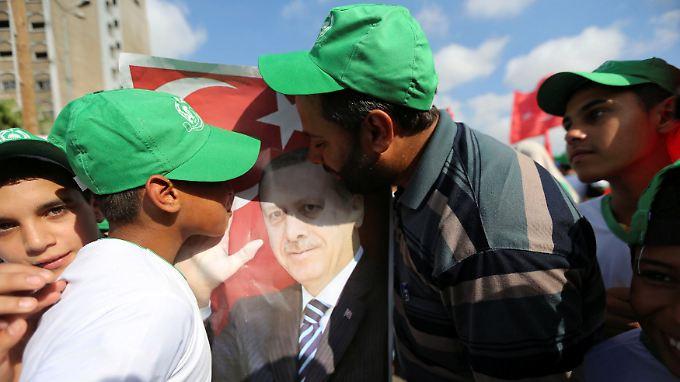 Küsse für Erdogan in Khan Younis, Gaza.