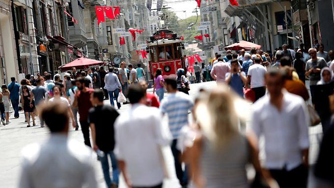 """""""Putsch? Welcher Putsch?"""" In der Nähe des Taksim-Platzes geht das Leben wieder seinen normalen Gang."""