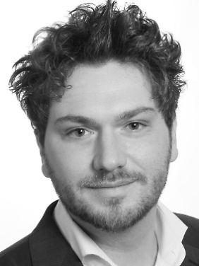 Nils Böckler ist Mitarbeiter am Institut Psychologie und Bedrohungsmanagement in Darmstadt und dort für Schulungen und Beratungen im Bereich Radikalisierung und Extremismus zuständig. Zuvor hat er an der Uni Bielefeld zu Gewalttaten durch radikalisierte Einzeltäter und autonome Zellen geforscht.