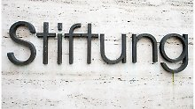 Das Wort «Stiftung» erweckt einen sicheren und soliden Eindruck. Doch Stiftungsfonds können für Privatanleger auch riskante Anlagen sein - dabei kommt es auf die genaue Mischung an. Foto:Inga Kjer