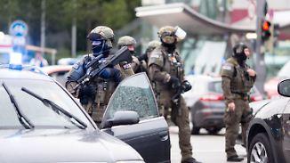 Tatorte in München komplett abgesperrt: Polizei stürmt Wohnung des Amokläufers