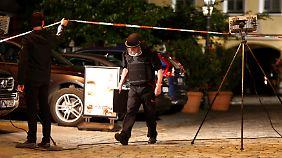 Die Polizei sichert immer noch den Tatort.