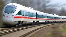 Körperverletzung und Beleidigung: Stinkefüße sorgen für Streit im Zug