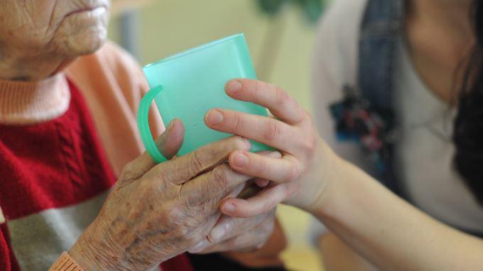 Pflegebedürftige und ihre Angehörigen sollen instrumentalisiert worden sein.