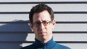 Assaf Gavron, Jahrgang 1968, ist Schriftsteller, Singer/Songwriter und Übersetzer. In Deutschland erscheinen seine Bücher bei Luchterhand. Er lebt in Tel Aviv.
