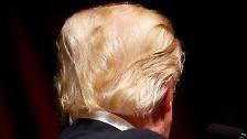 Trumps Frisur ist übrigens nicht nur eine Peinlichkeit auf dem Kopf eines 70-Jährigen mit seltsamer Hautfarbe.