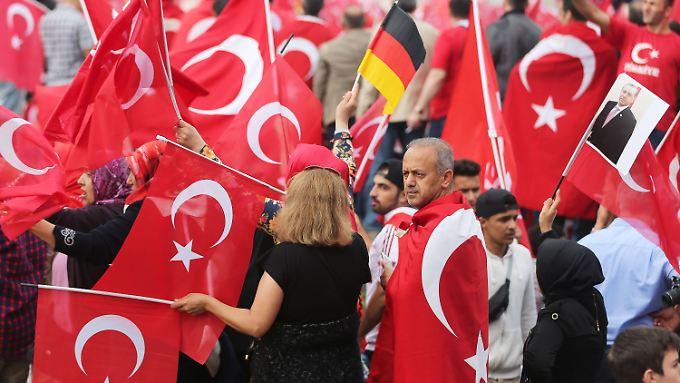 Erdogan-Anhänger Ende Juli bei der Demonstration in Köln
