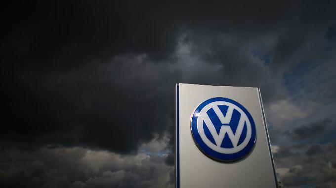 Die dunklen Wolken und andere unheilvolle Anzeichen werden so bald nicht aus den VW-Bildern in den Medien verschwinden.