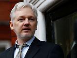 Schwedische Ermittler in Botschaft: Assange wird in London verhört