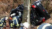 Keine Überprüfung im Crashtest: Warum Verkehrsunfälle mit Bäumen meist tödlich enden