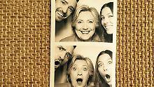 Duckface-Groupies mit Hillaryim Haus Timberlake-Biel.