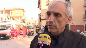 """""""Stille ist absolut wichtig"""": Feuerwehrchef erklärt Vorgehen bei Suche nach Überlebenden"""