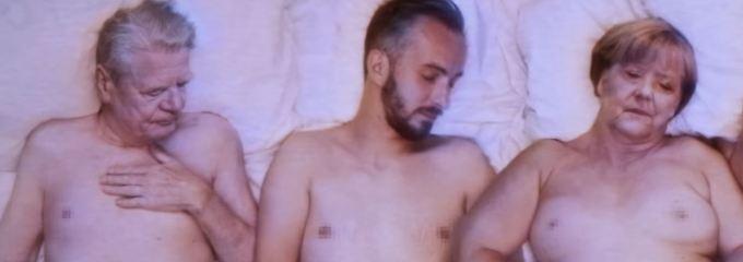 Mit Merkel nackt im Bett: Jan Böhmermann tritt wieder den Dienst an