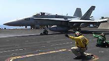 Das Bild zeigt eine F/A-18C der US-Luftwaffe.