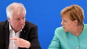 Seehofer und Merkel haben schon viele Streits ausgetragen. Jetzt setzt der CSU-Chef auf leise Töne.