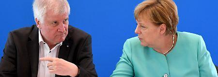 """Merkels vierte Amtszeit: Seehofer: Diese Debatte ist """"dämlich"""""""