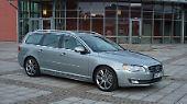 Auch bei Volvo sollten Nostalgiker schnell sein. Die Schweden lösen den V70 im Herbst durch den V90 ab – ...