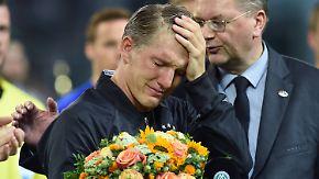 """""""Hatte eine wunderschöne Zeit"""": Schweinsteiger verabschiedet sich mit Tränen"""