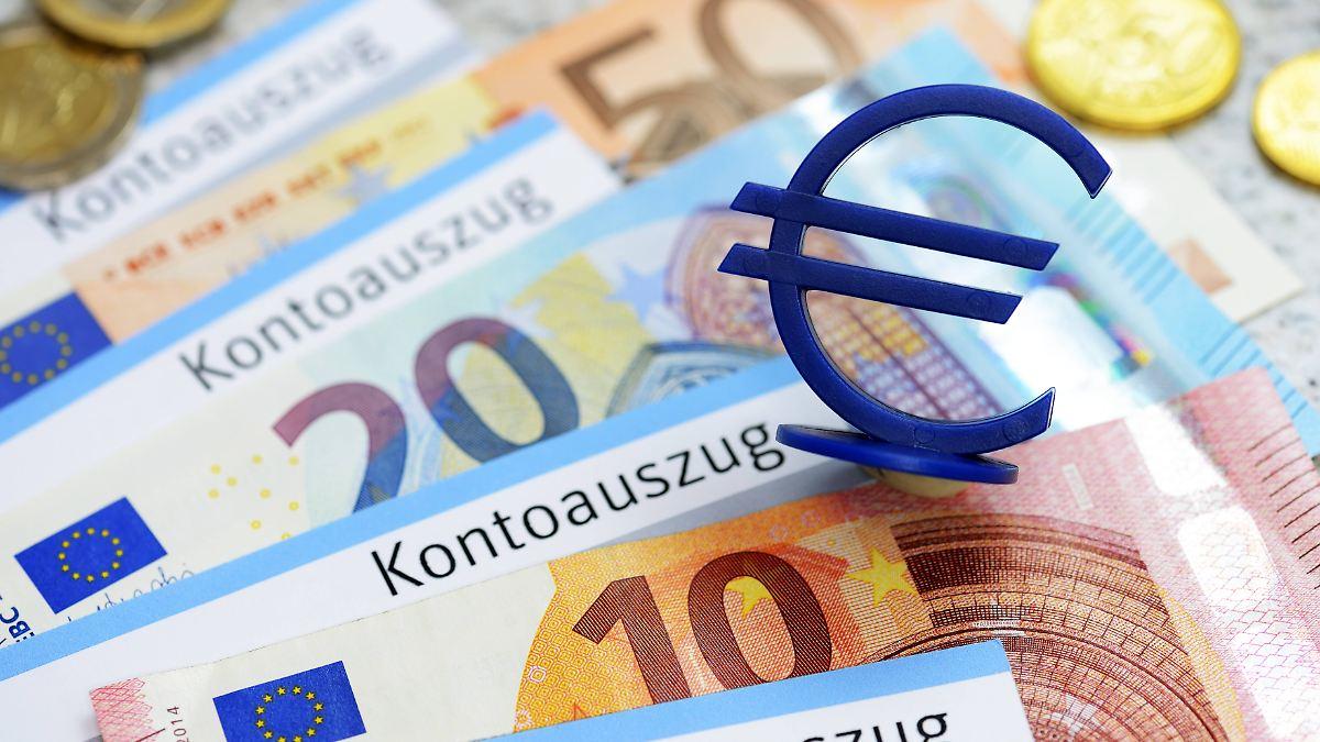 girokonten werden immer teurer kontowechsel spart bis zu 200 euro pro jahr n. Black Bedroom Furniture Sets. Home Design Ideas