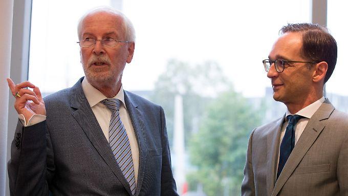 Justizminister Maas (r.) und der damalige Generalbundesanwalt Range im August 2015.
