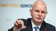 Metro-Chef Olaf Koch hält an der Jahresprognose fest.