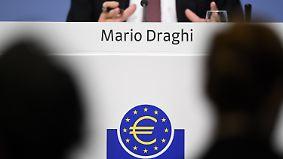 Vorsichtig pessimistisch: Draghi bleibt bei Nullzinspolitik