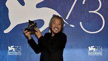 Er ist der erste Philippiner, der einen Hauptpreis gewinnt: Regisseur Lav Diaz.