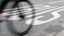 Messerattacke in Aschaffenburg: Radfahrer sticht Fußgänger nieder