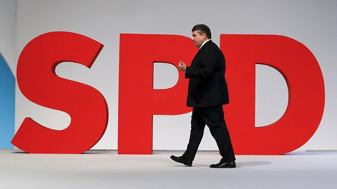 SPD-Chef Gabriel erwartet beim Parteikonvent in Wolfsburg ein Ja seiner Genossen zu Ceta.