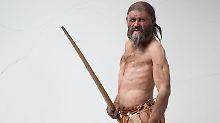 Mordopfer:Gletschermann Ötzi wurde vermutlich aus «heimtückischen» Motiven umgebracht. Foto: Südtiroler Archäologiemuseum / Ochsenreiter / Archiv