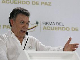 Präsident Juan Manuel Santos ist Historisches gelungen - wenn die Bevölkerung zustimmt.